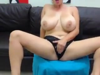 Big beautiful tits on webcam