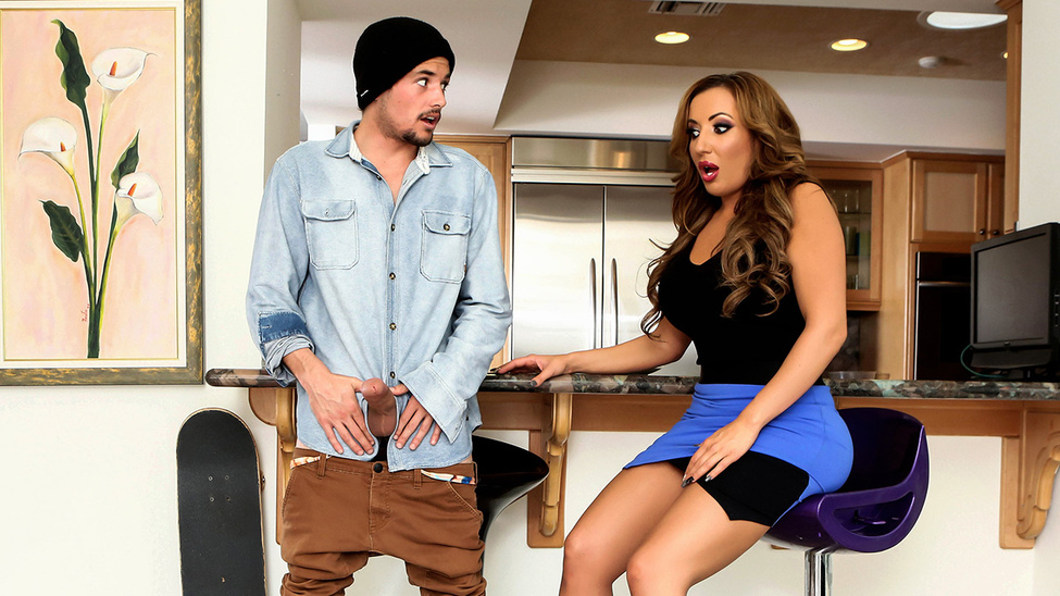 Richelle Ryan & Tyler Nixon in Milfer Madness - Brazzers
