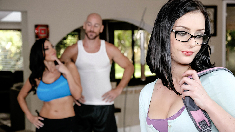Amanda Lane & Veronica Rayne & Johnny Sins in Kindly Fuck My Stepdaughter - Brazzers