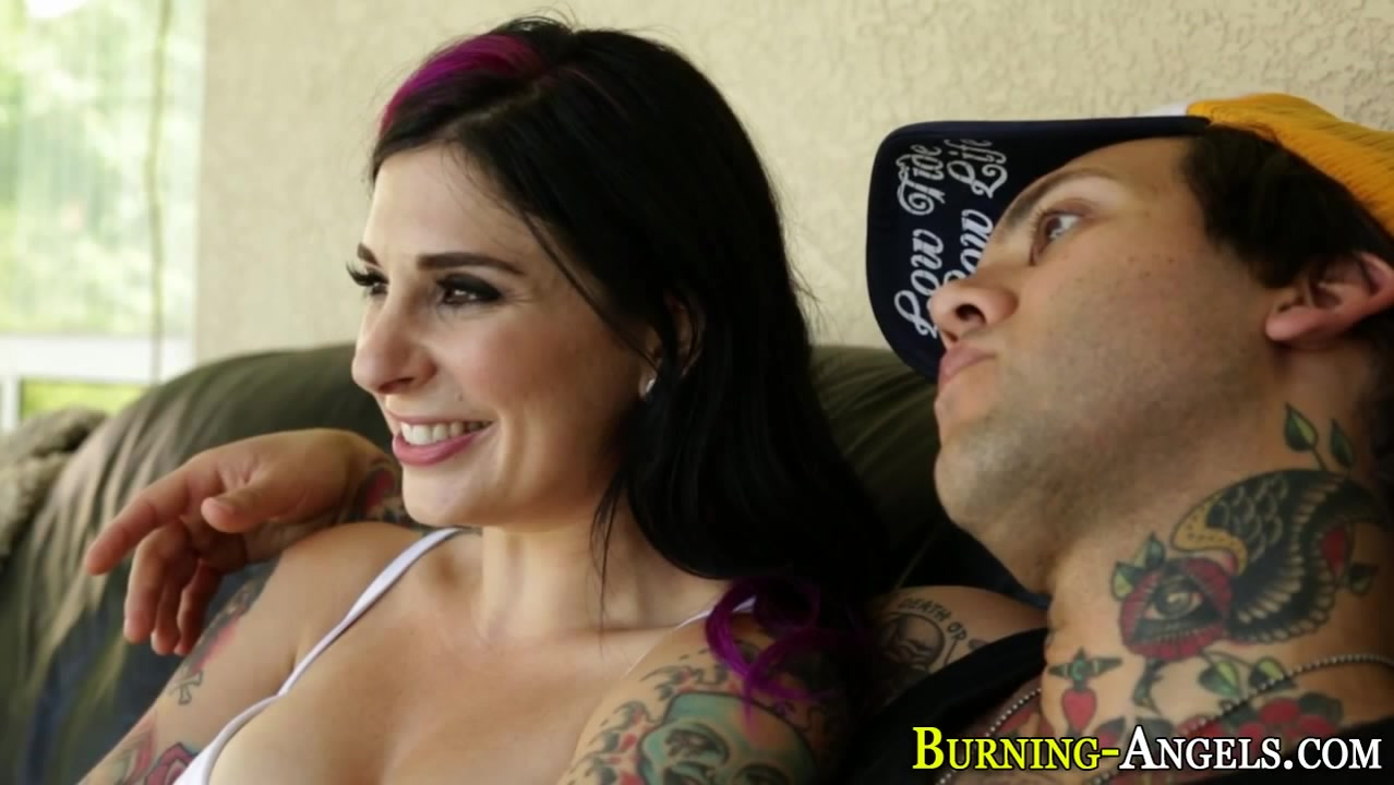 Tatted slut tugs cumshot