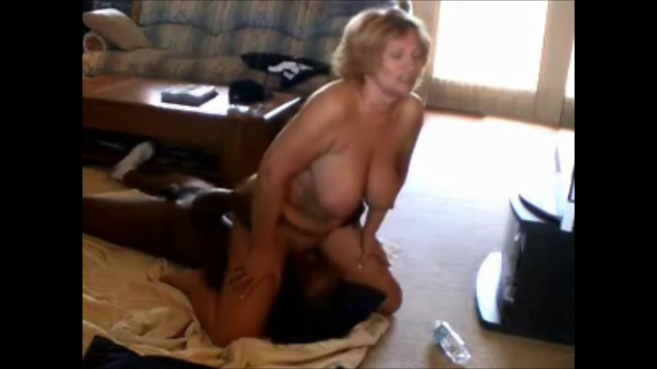 Mature wife a BBC to lick her pussy