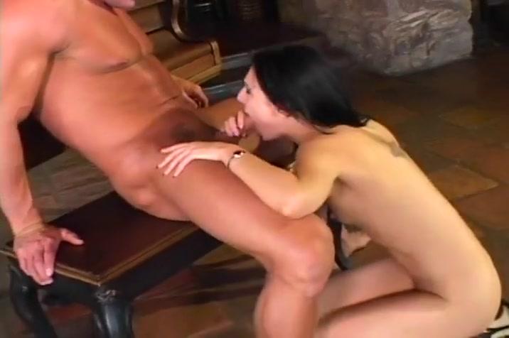 Muscled Lee Stone Loves The Taste Of Women Juice