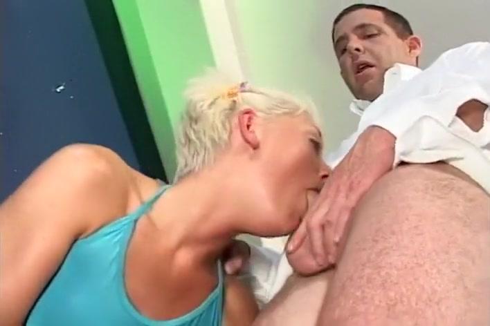 honey blonde slut jar gives a sucktastic time marc cummings