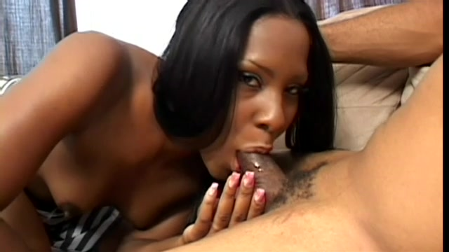 Ebony Hottie Deepthroating Big Dick