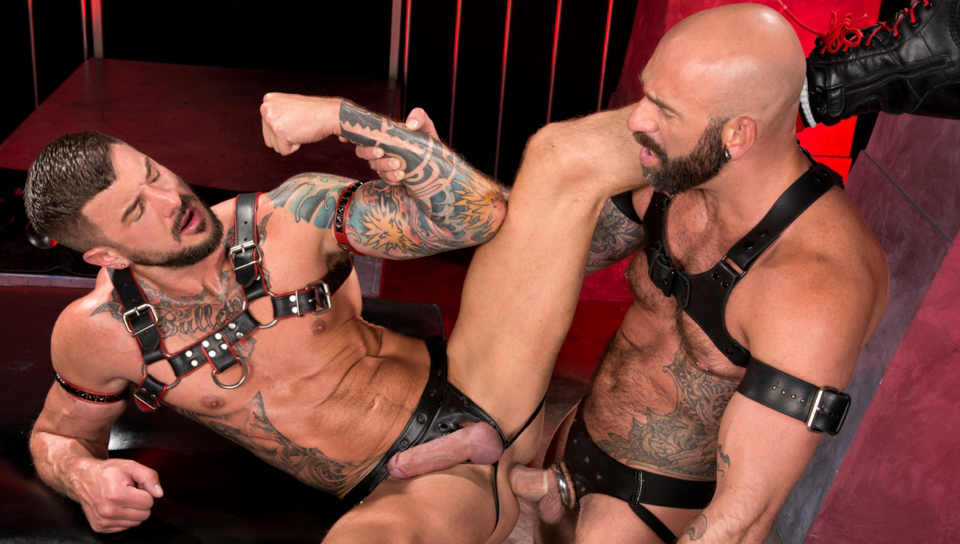 Howlers featuring Drew Sebastian, Dolf Dietrich - FistingCentral