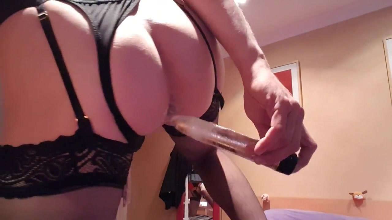 Hot crossdresser masturbating 4 - the tease.