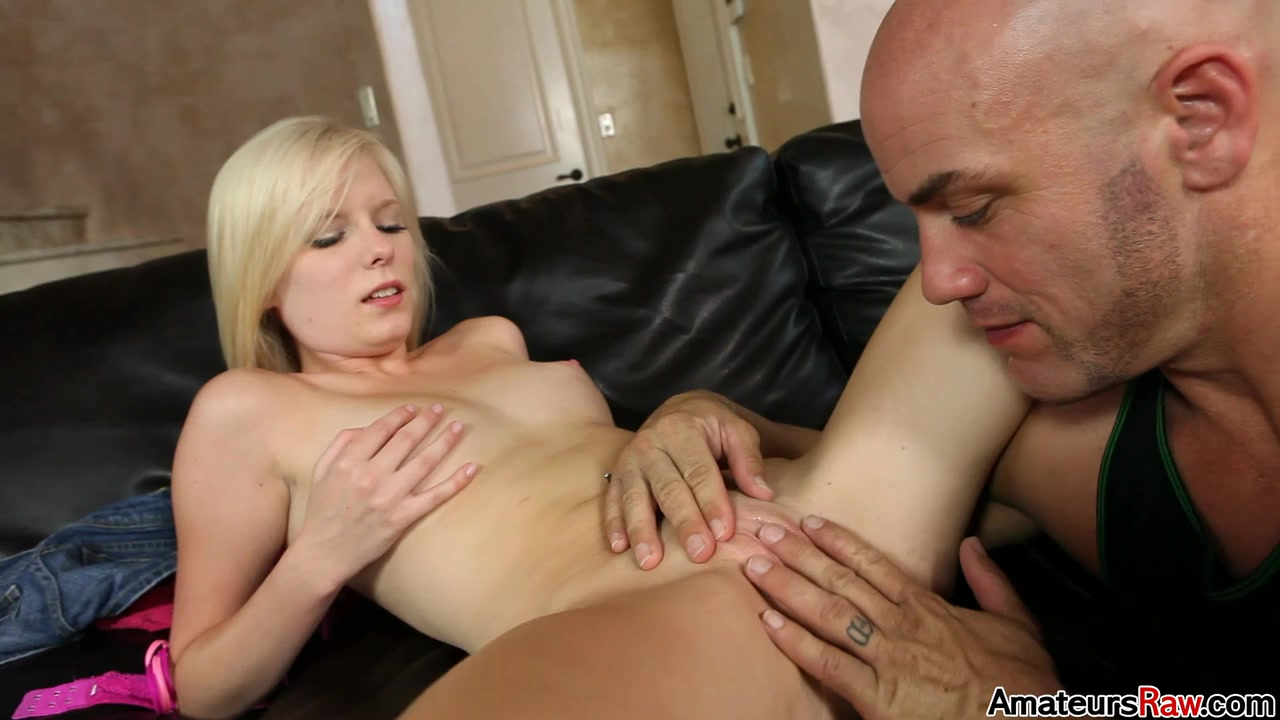 Elaina Raye in You Got To Be A Little Dirty To Get It Done Right - AmateursRaw