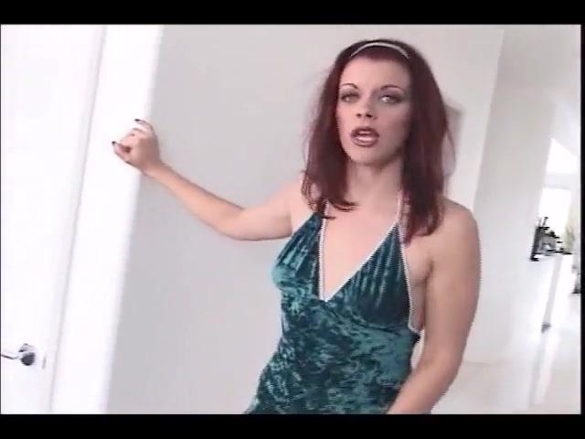 Bobbi Bliss - Sucks Cock
