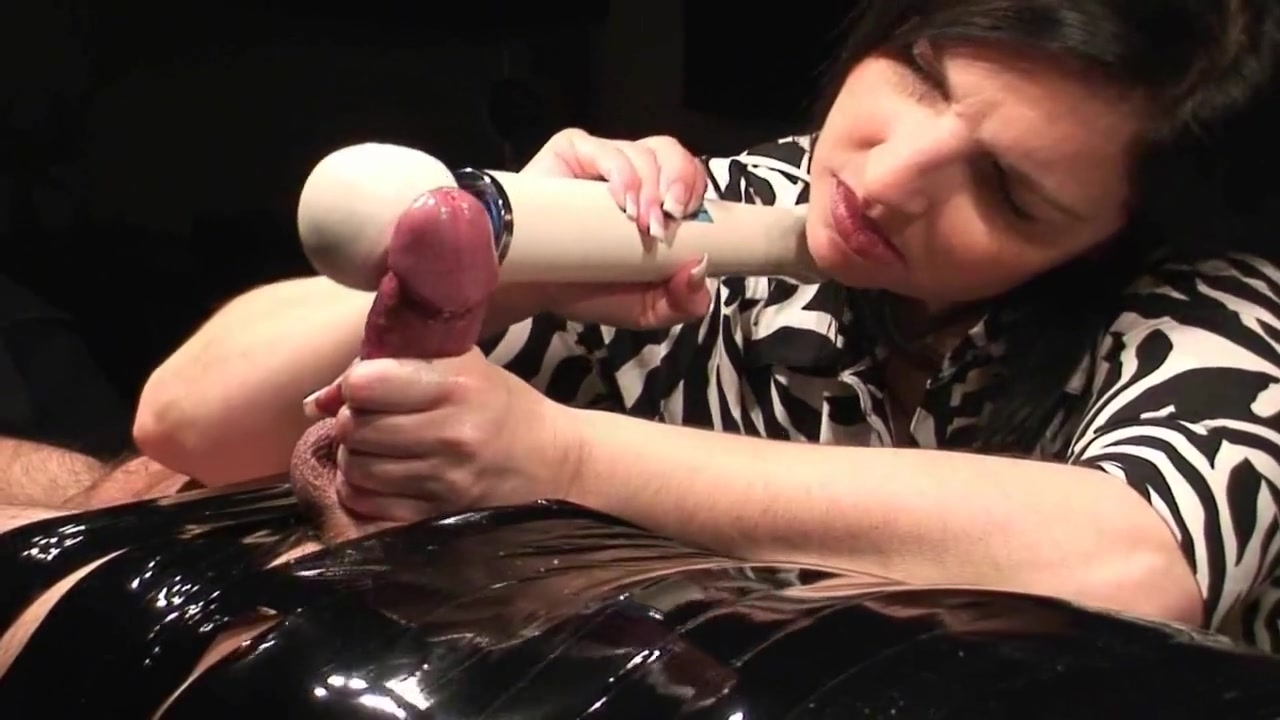 hot kilted girl blowjob