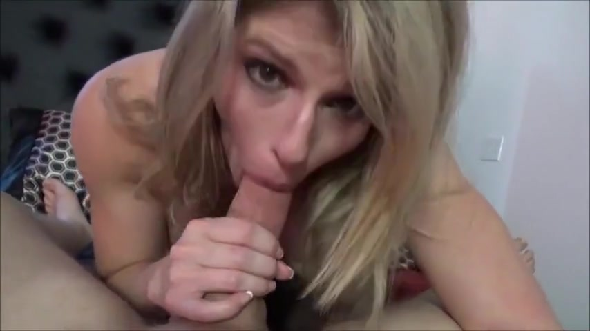blonde woman with a trimmed pussy hit
