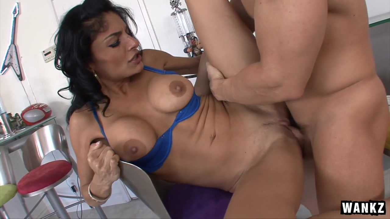 Persia Pele & TJ Cummings in A Desparate House Wife Gets Fucked By The Help. - BangMyStepmom