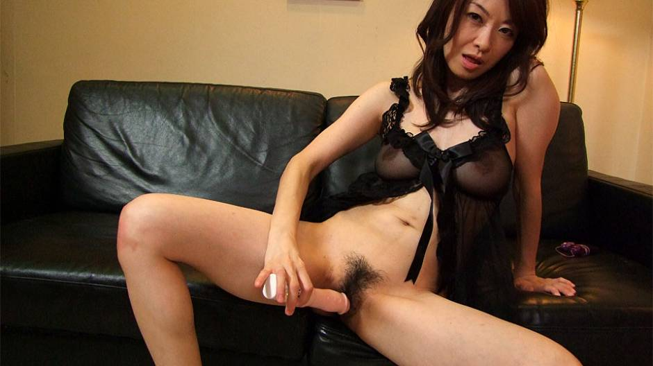 Sayoko Machimura in Machimura Sayoko is masturbating for her online lover today - AviDolz
