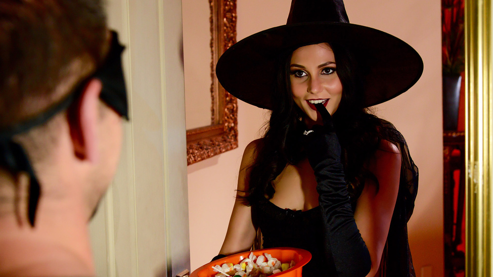 ariana marie and johnny castle in dick or treat - brazzers