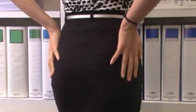 Hot mature chick in office suit Ai Komori pussy stimulation