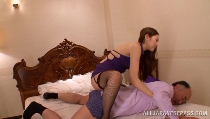 Asami Ogawa sexy Asian milf is a dominating babe