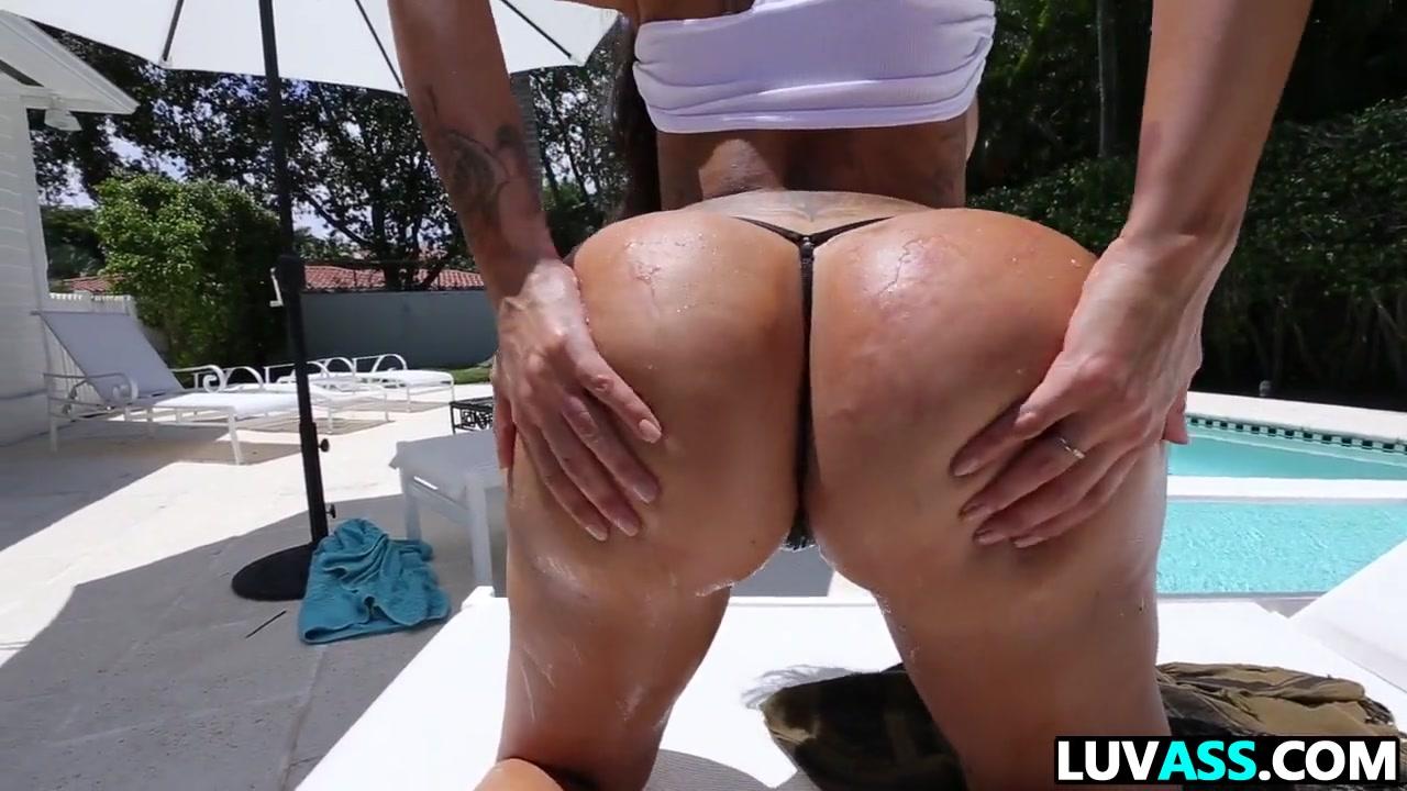 Lela Star is bootylicious