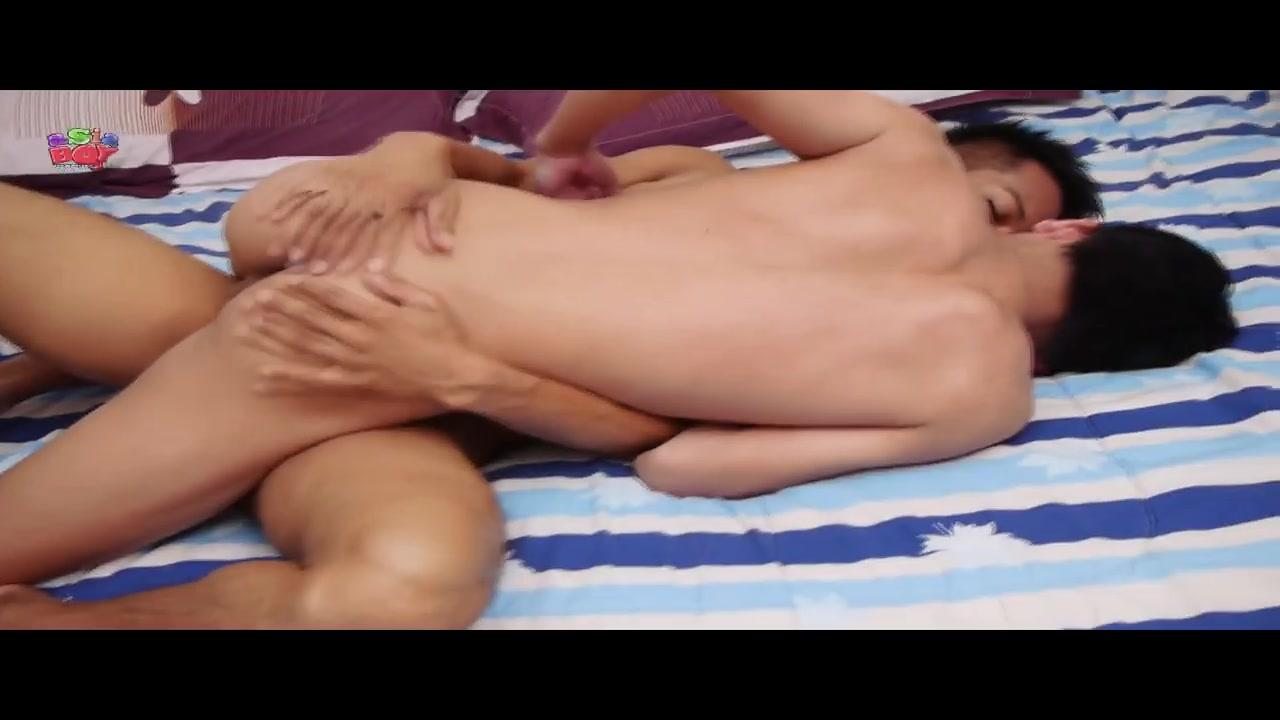 AsiaBoy Video: A Game Of Golf