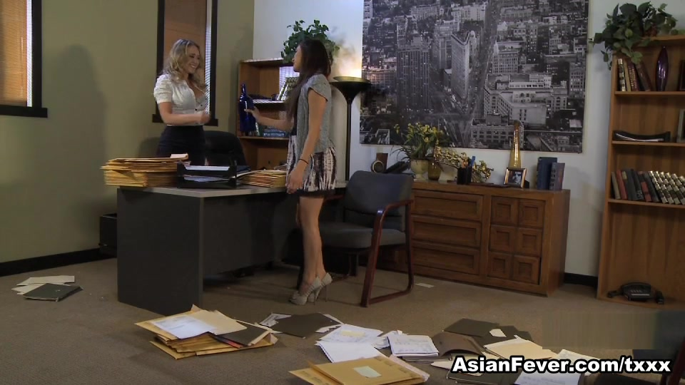 Arial Rose in My First Lesbian Experience #4  - AsianFever