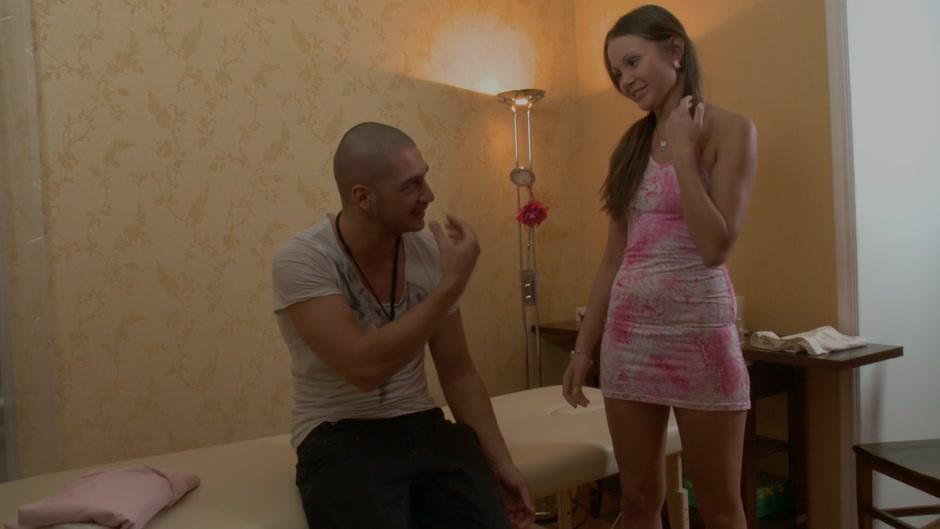 Sweet bimbo gets hardly owned on hot xxx massage clip
