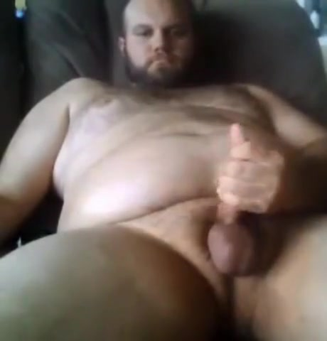 Sexy big bear jerking off using poppers