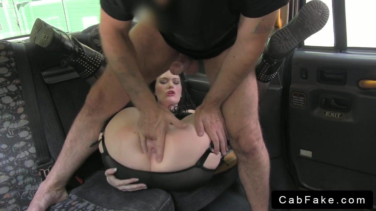 taksist-konchil-vnutr