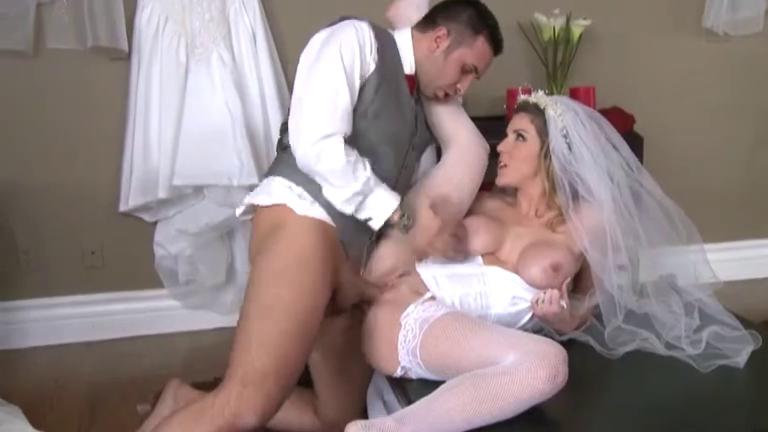 Секс через дырку в свадебном платье