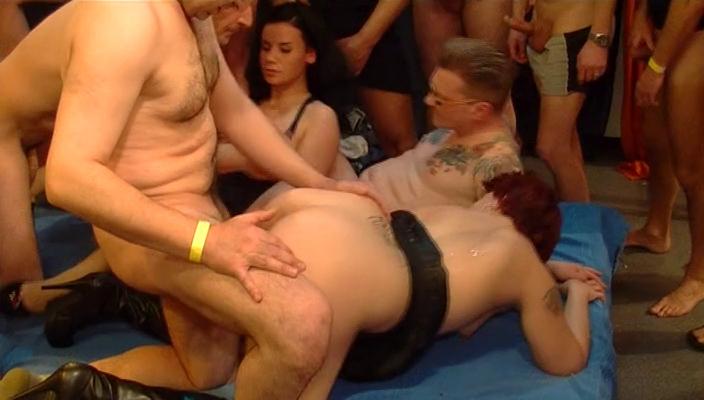 Групповой секс германия