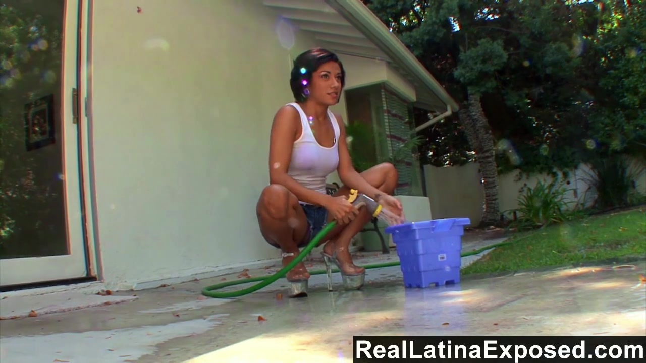 reallatinaexposed horny latina vanessa leon rides a big cock