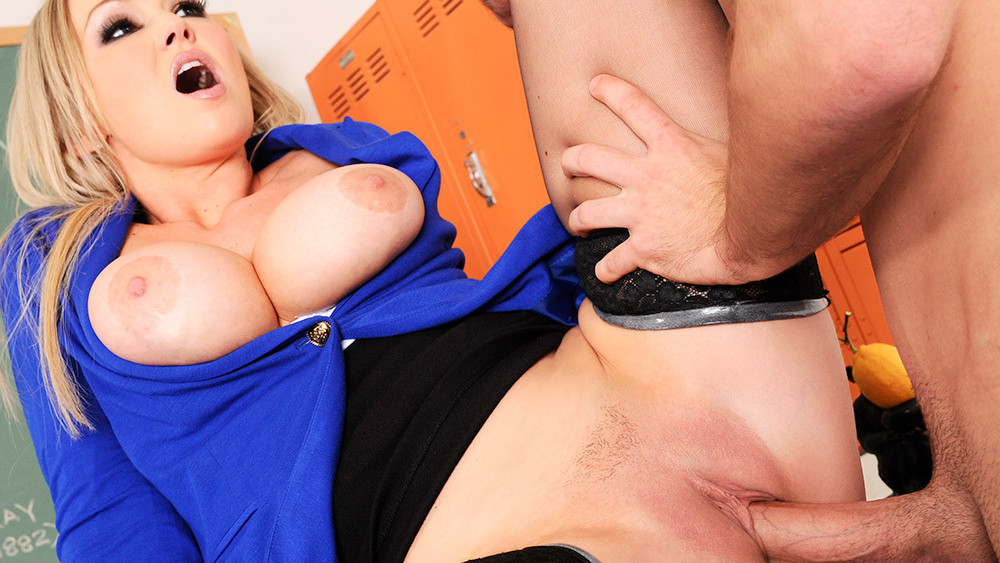 Abbey Brooks & Logan Pierce in My First Sex Teacher