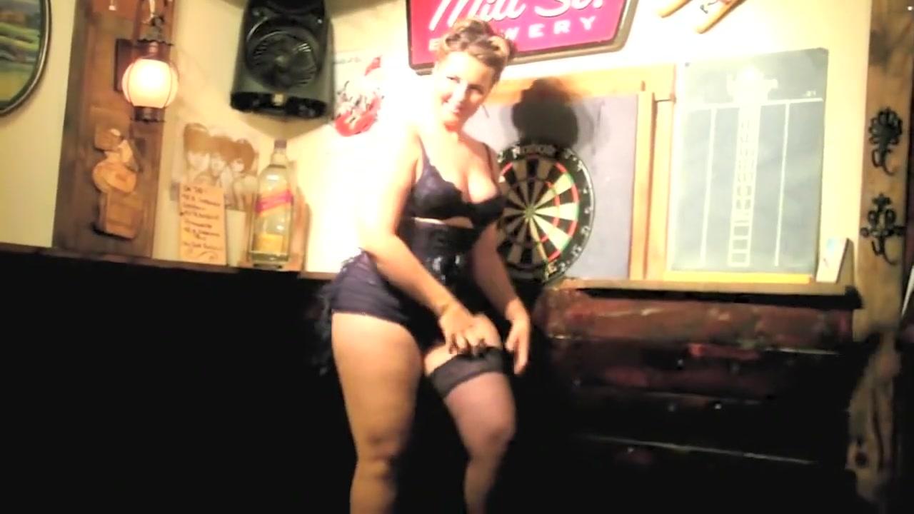 burlesque band show 005 act naked lucky minx