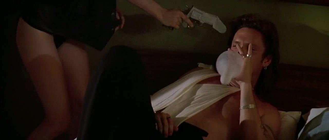 kim basinger jennifer tilly sex