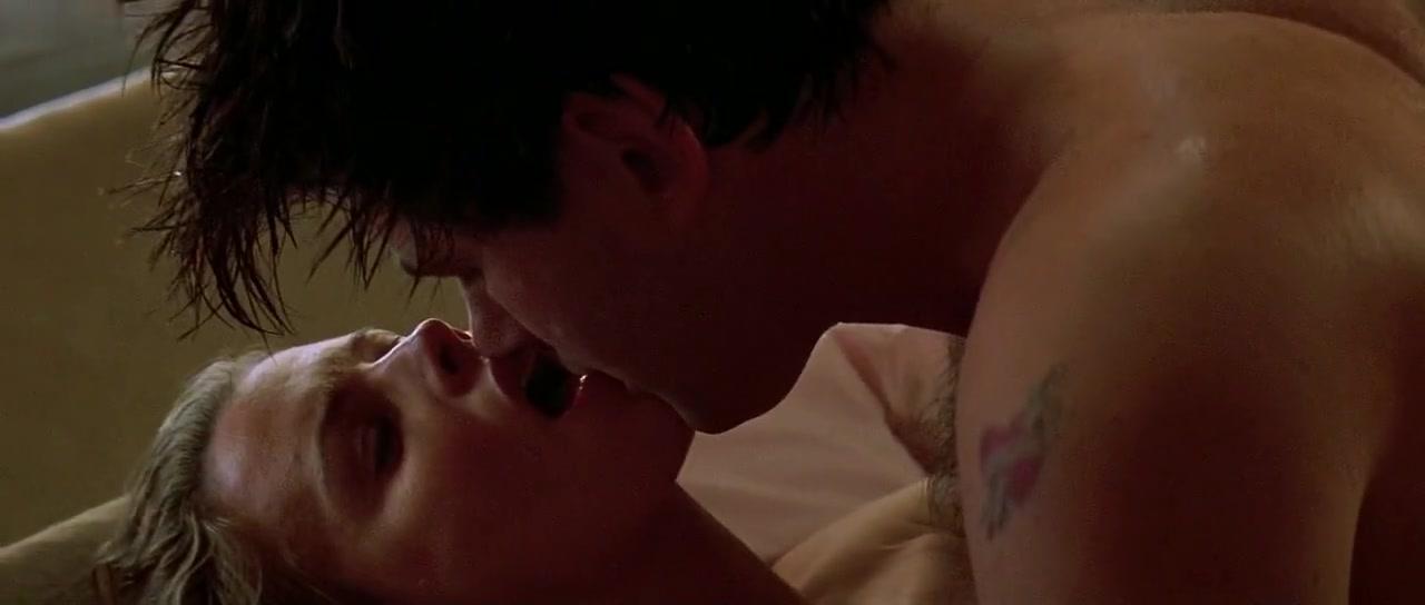 Kim Basinger,Jennifer Tilly in The Getaway (1994)