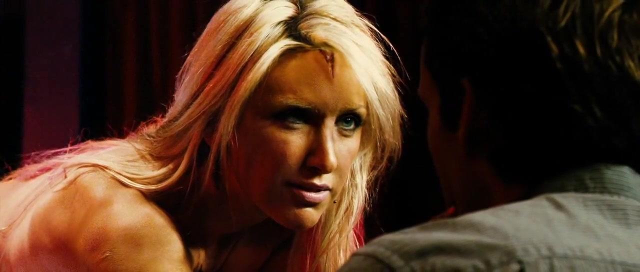 Zoe Stollery,Erin Gavin,Laura Donnelly in Dread (2009)