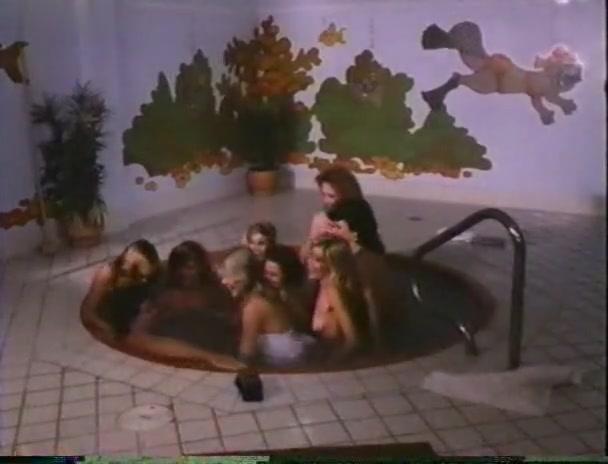 Katt Shea,Edy Williams,Becky LeBeau,Various Actresses in Hollywood Hot Tubs (1984)