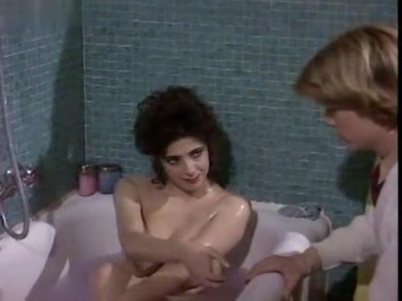 Donatella Damiani in Il Peccato Di Lola (1985)