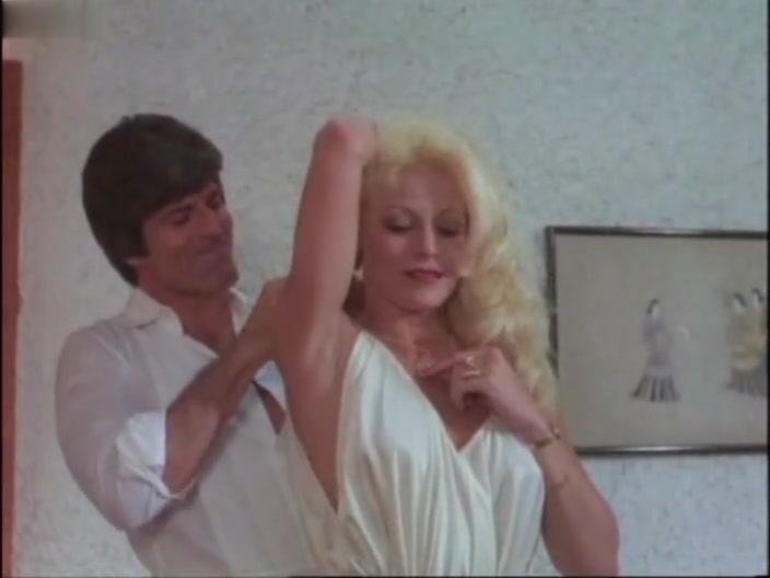 Jeannette Mass,Isaura Espinoza,Various Actresses,Sasha Montenegro,Rebeca Silva,Isela Vega in PulqueríA, La (1981)