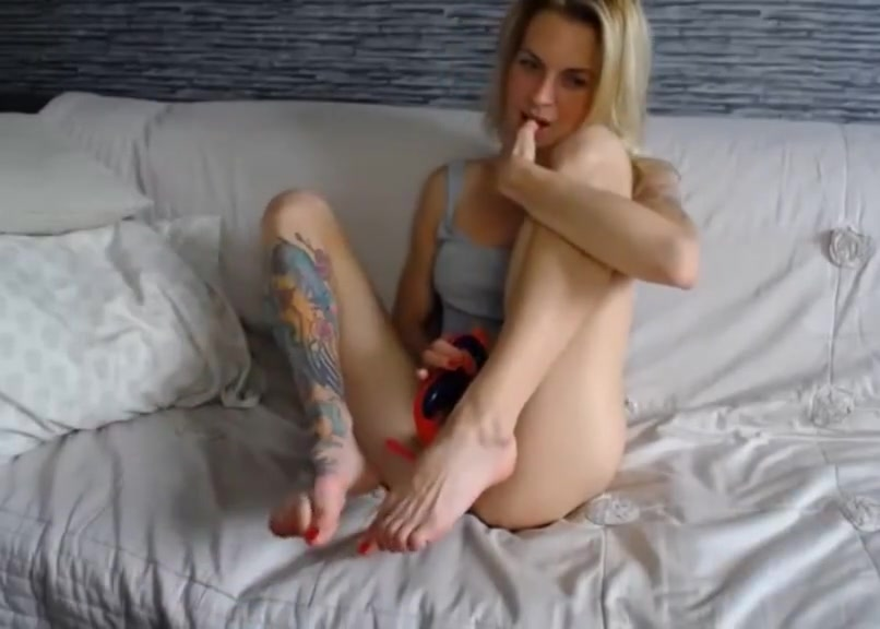 blonde with big clit and shaved pussy
