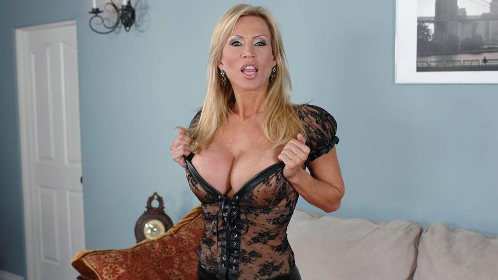 Amber Lynn & Tommy Gunn in Diary of a Milf