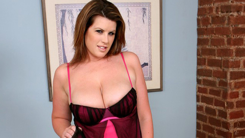 Lisa Sparxxx in Housewife 1 on 1