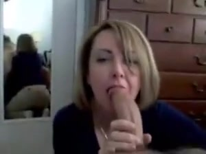 mature makes a blowjob to a guy with a big cock
