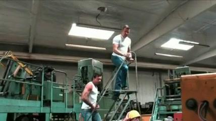 Debauche entre mecaniciens
