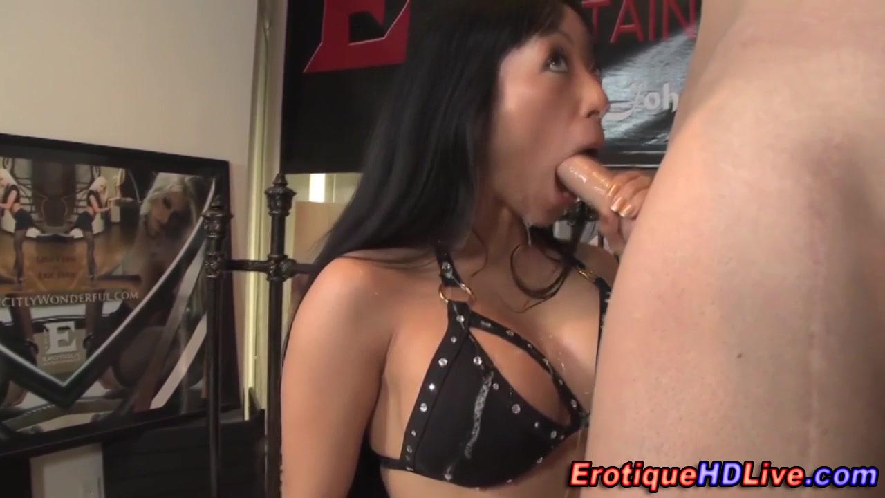 Gaia swallows on webcam