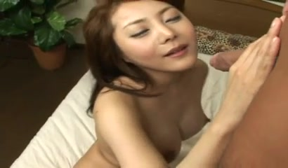 Asian babe with great boobs