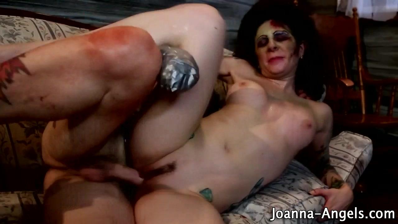 Zombie pornstar gets cum
