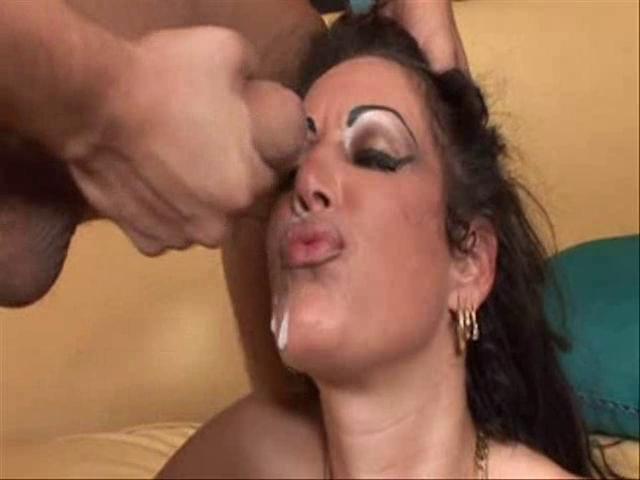 video-sperma-na-litsah-zrelih
