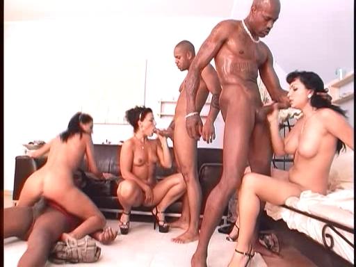 Межрассовое порно оргия онлайн
