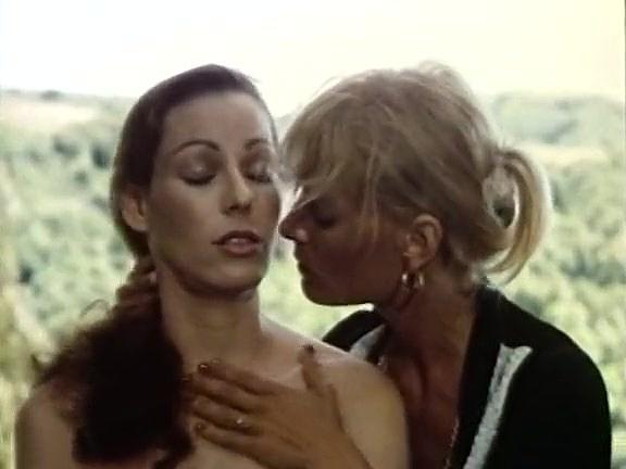 Annette Haven, Lisa De Leeuw, Paul Thomas in vintage xxx video