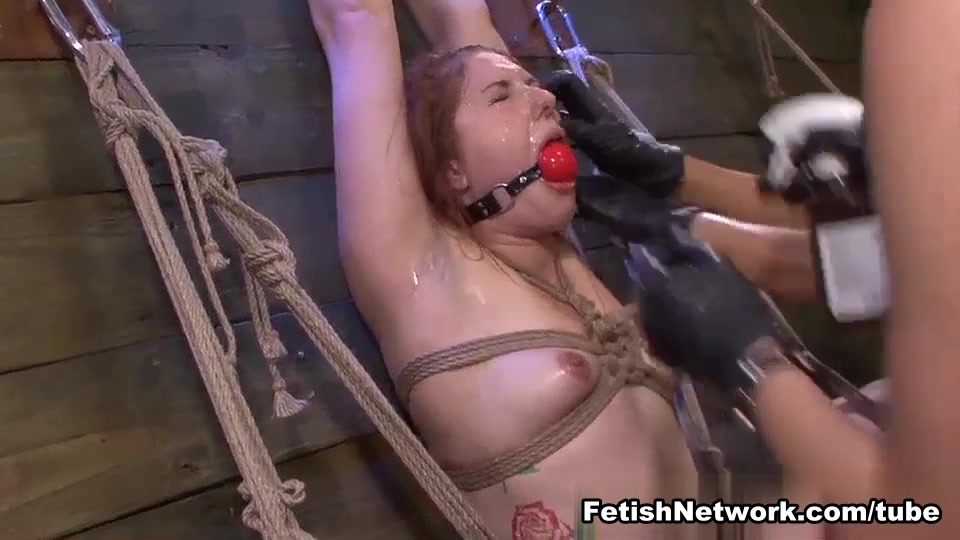 Rose Red Rope Suspension with Lexy Villa & Brooklyn Daniels Strapons