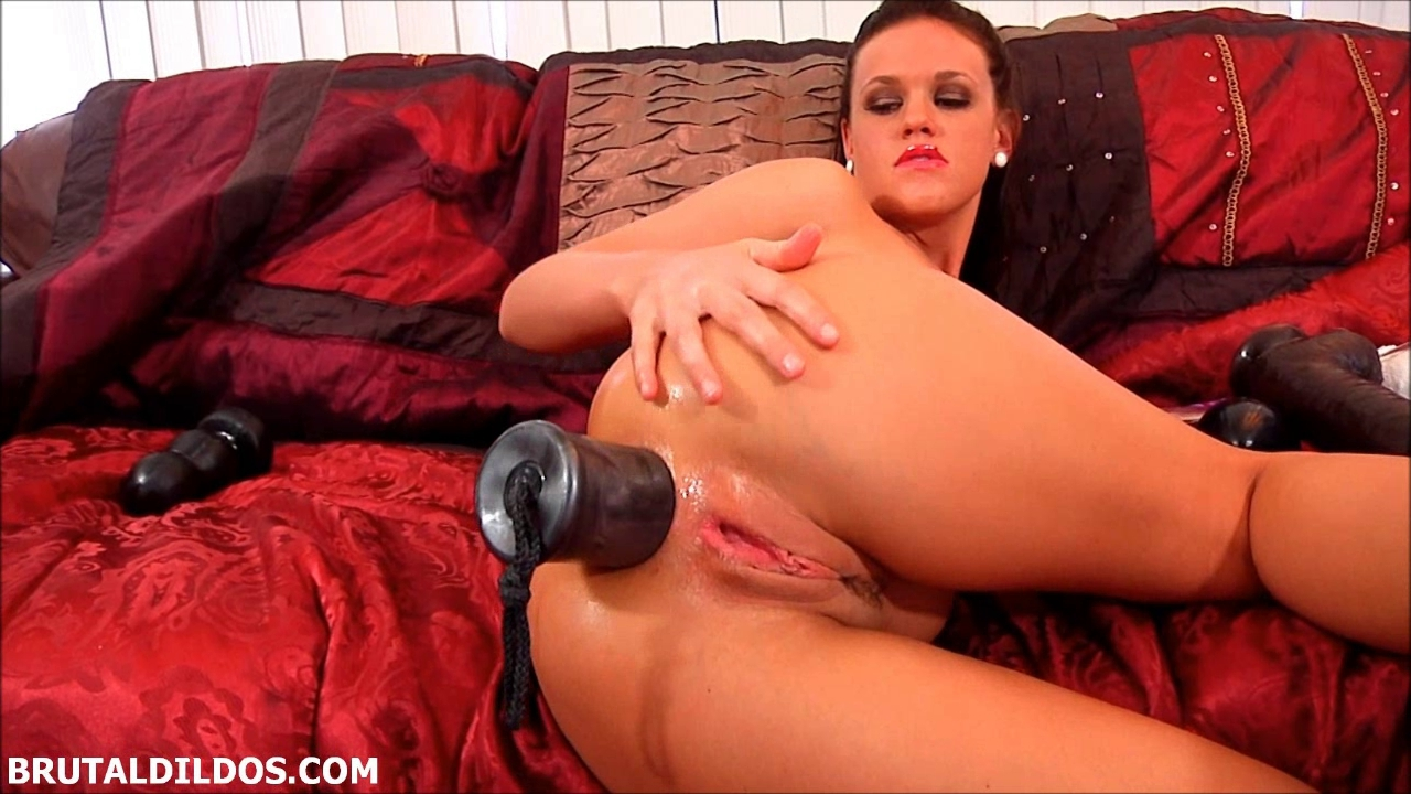 Hottie destroys her butt with a silver brutal sex-toy