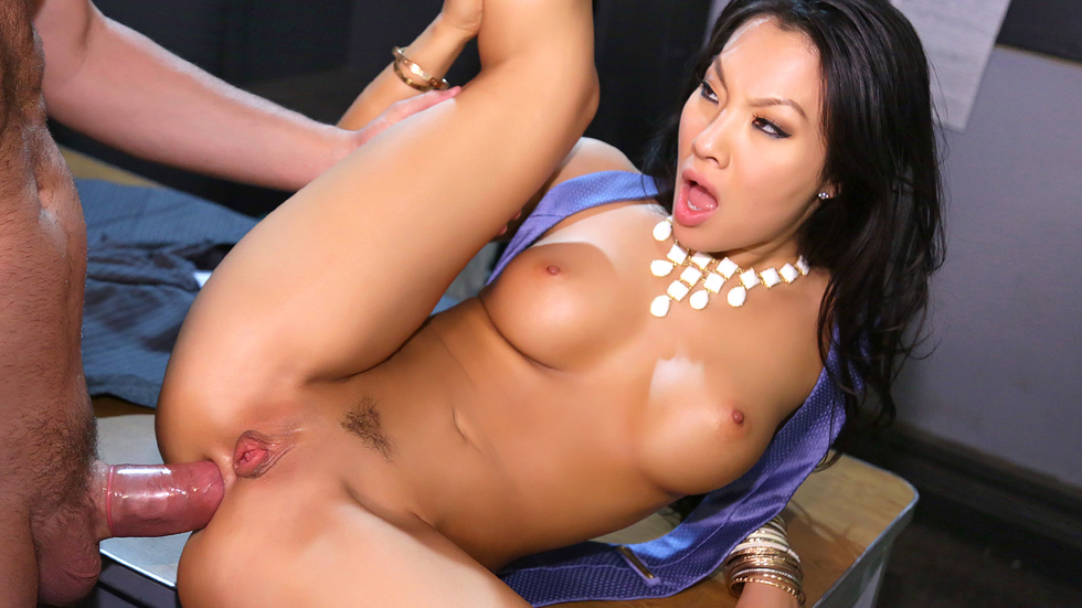 Asa Akira In Holly...Would Bonus, Scene 3